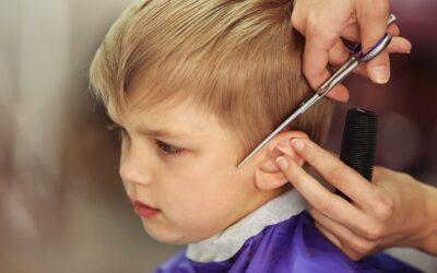 Det skal du vide om dit barns første klipning
